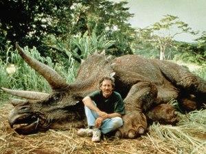 Steven Spielberg on set of Jurassic park. Spielbergfancluc.com