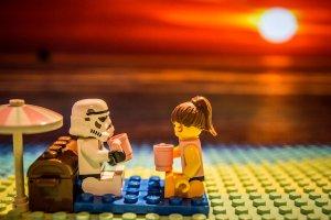 http://neochan-pl.deviantart.com/art/Lego-Star-Wars-Stormtrooper-sunset-picnic-343141498